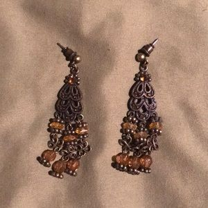 Jewelry - Amber-colored earrings
